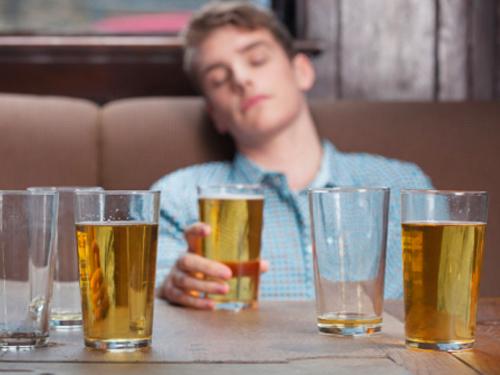 Come lotta con alcolismo in Russia